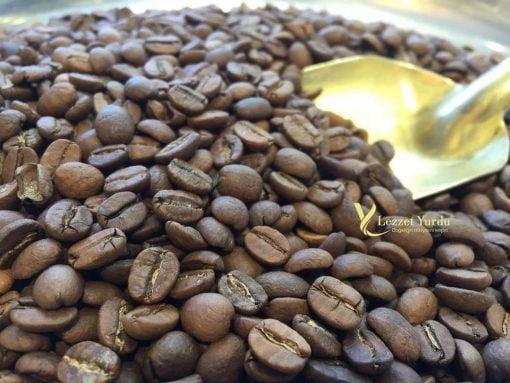 Türk kahvesi - kahve çekirdeği -kahve çekilmiş hali